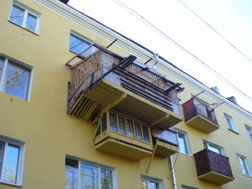 Балкон первый этаж хрущевка.